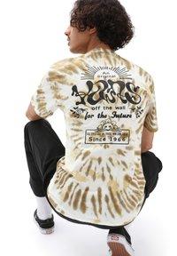 Vans - MN LOOK AHEAD SS - T-shirts print - nutria/tie dye - 1