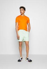 Polo Ralph Lauren - CUSTOM SLIM FIT CREWNECK - Basic T-shirt - bright signal ora - 1