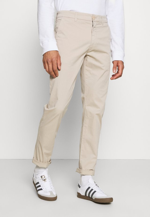 CHUCK REGULAR PANT - Chinos - light feather gray