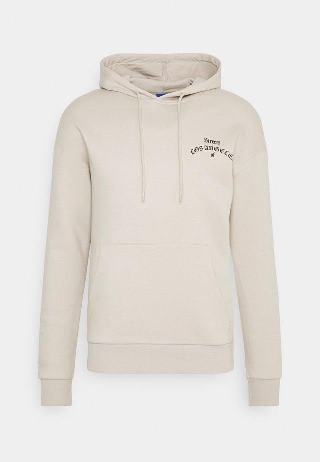 JORIMMORTAL HOOD - Sweater - peyote/relaxed