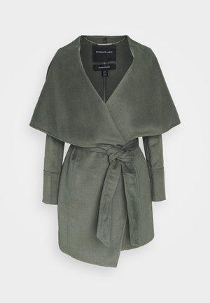 WILLOW WRAP COATS - Classic coat - green