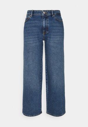 ONLSOPHIE WIDE LIFE - Jeans bootcut - medium blue denim