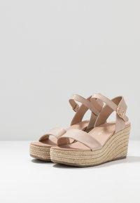 New Look - PICKLE - Sandalen met hoge hak - oatmeal - 3