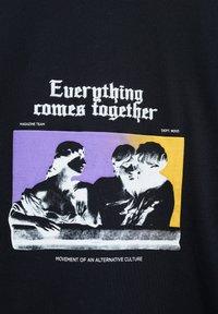 PULL&BEAR - Print T-shirt - mottled black - 5