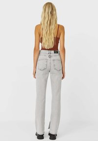 Stradivarius - IM STRAIGHT-FIT - Straight leg jeans - grey - 2