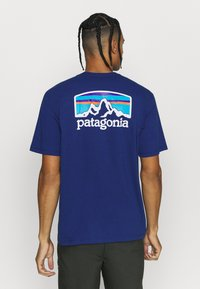 Patagonia - FITZ ROY HORIZONS RESPONSIBILI TEE - T-shirt imprimé - superior blue - 2