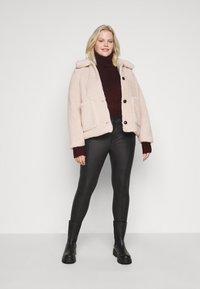 New Look Curves - FASH SLOUCHY ROLL NECK - Jumper - dark burgundy - 1