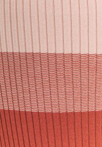 Banana Republic Tall - STRAPPY COLUMN OMBRE - Maxi dress - pink multi - 2