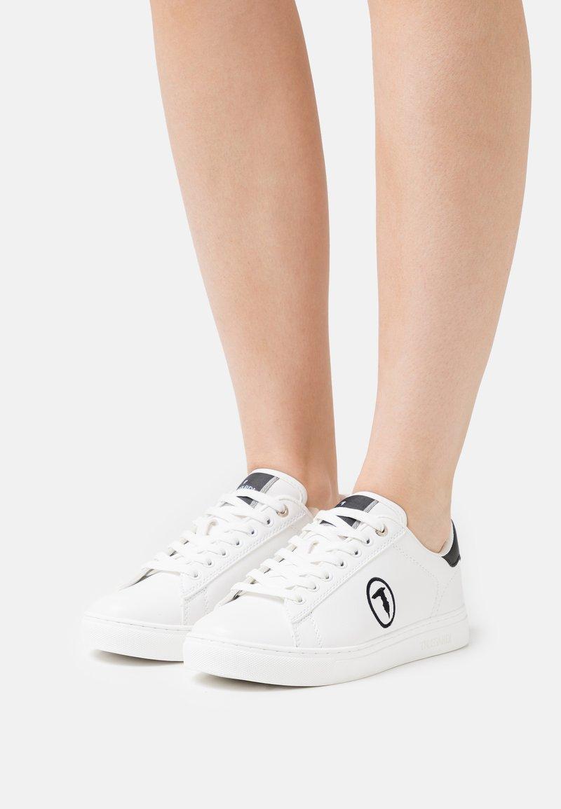 Trussardi - GALIUM POP MIX - Sneakersy niskie - white/black