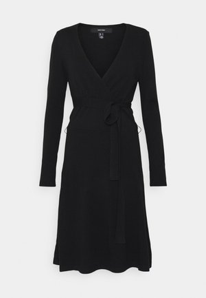 VMKARISARA WRAP DRESS  - Pletené šaty - black