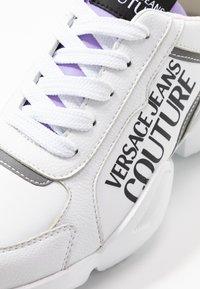 Versace Jeans Couture - Tenisky - bianco ottico - 2