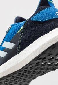 adidas Performance - RAPIDABOOST RUNNING SHOES - Hardloopschoenen neutraal - glow blue/sky tint/legend ink - 2