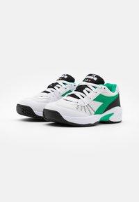 Diadora - S. CHALLENGE 3 JR UNISEX - Multicourt tennis shoes - white/holly green/black - 1