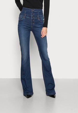NEW RAMPY BEAT  - Flared Jeans - denim blue