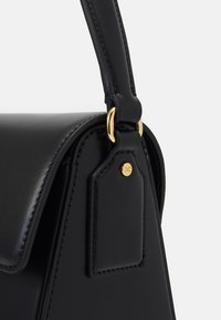 Elisabetta Franchi - RING LOGO SHOULDER BAG - Handbag - nero - 5