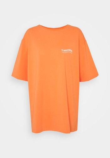 CIRCLE WASHED WOMEN - T-shirt med print - orange