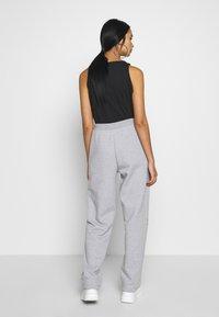 NEW girl ORDER - I LOVE - Teplákové kalhoty - grey - 2