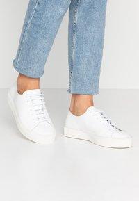 Royal RepubliQ - DORIC DERBY SHOE - Sneakers - white - 0