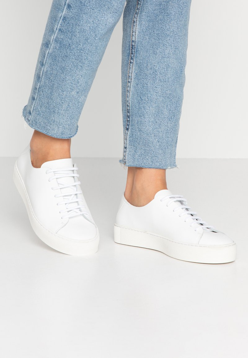 Royal RepubliQ - DORIC DERBY SHOE - Sneakers - white