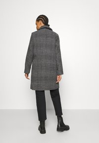 b.young - BYAMANO COAT - Kåpe / frakk - black - 2