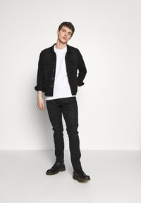 Calvin Klein Jeans - TONAL POCKET MONOGRAM TEE - Print T-shirt - bright white - 1