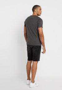 Jack & Jones - JJIRICK JJORIGINAL - Denim shorts - black - 2