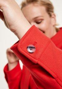 Samoon - Short coat - power red - 1