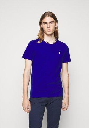 Basic T-shirt - heritage royal