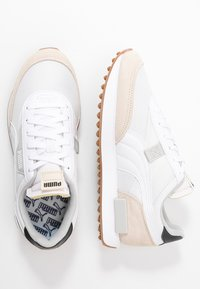 Puma - FUTURE RIDER  - Trainers - white/tapioca/black - 3