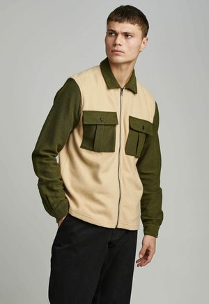 Summer jacket - vineyard green