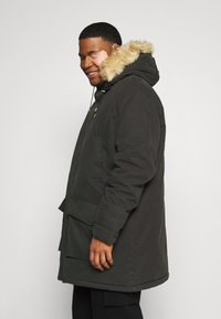 Lyle & Scott - PLUS WINTER WEIGHT LINED - Parka - jet black - 4