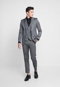 1904 - TENNANT - Suit jacket - gey - 1