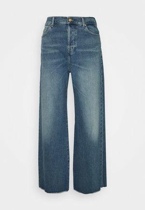 ZOEY MOST WANTED - Široké džíny - mid blue