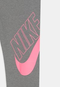 Nike Sportswear - FAVORITES - Legíny - carbon heather - 2