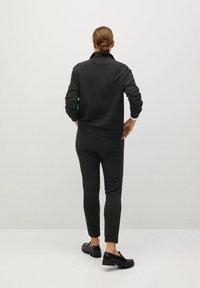 Mango - RIVI-A - Teplákové kalhoty - gris anthracite - 2