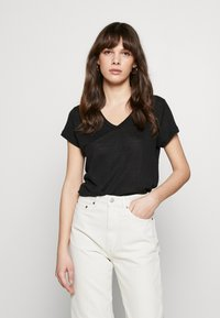 Banana Republic - VEE TEE SOLIDS - Basic T-shirt - black - 0