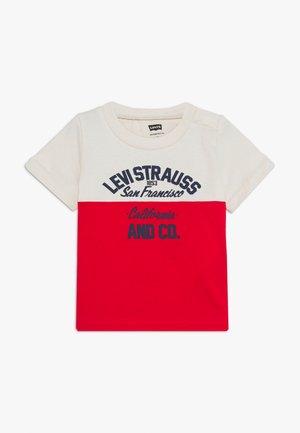 DROP SHOULDER CREW - Print T-shirt - moonbeam
