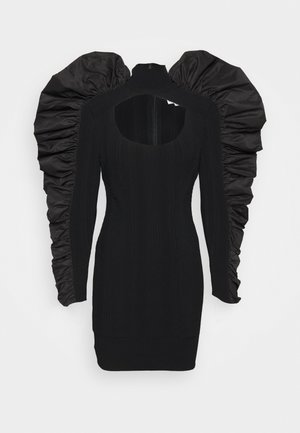 TURTLE NECK RUFFLE DRESS - Stickad klänning - black