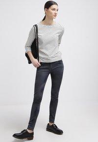 Levi's® - 535 LEGGING - Jeans Skinny Fit - tumbled stone - 1