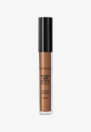 STUDIO SKIN FLAWLESS 24 HOUR CONCEALER 8ML - Concealer - 733f24- deep neutral