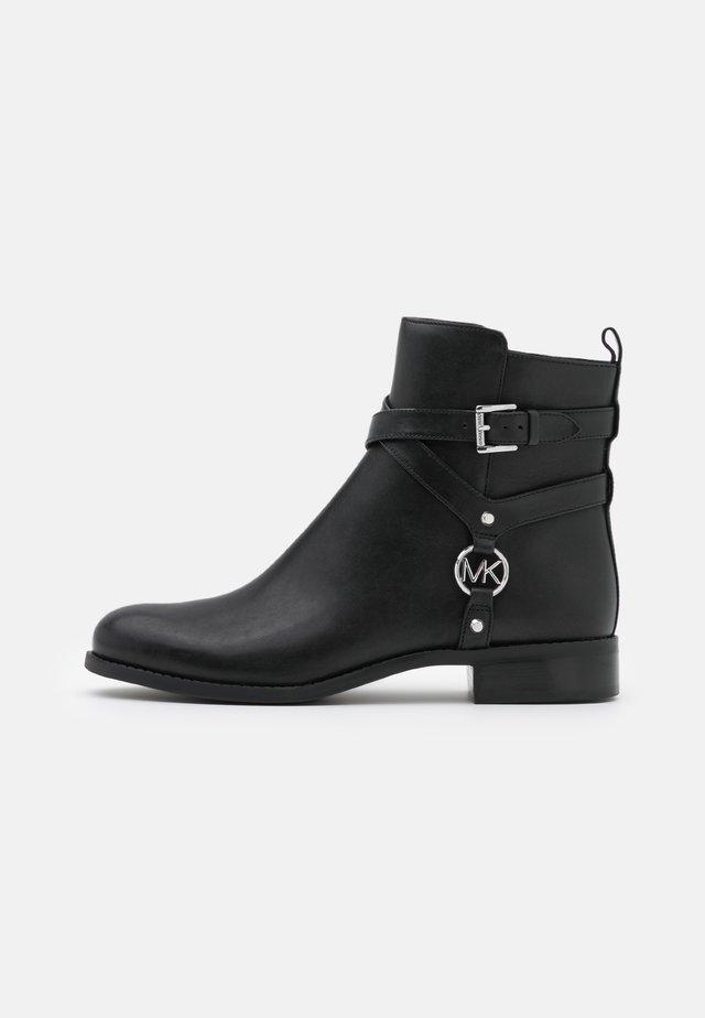 PRESTON FLAT BOOTIE - Kotníkové boty - black