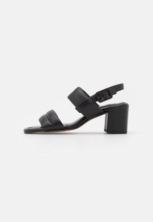 SOULMATE - Sandaalit nilkkaremmillä - schwarz