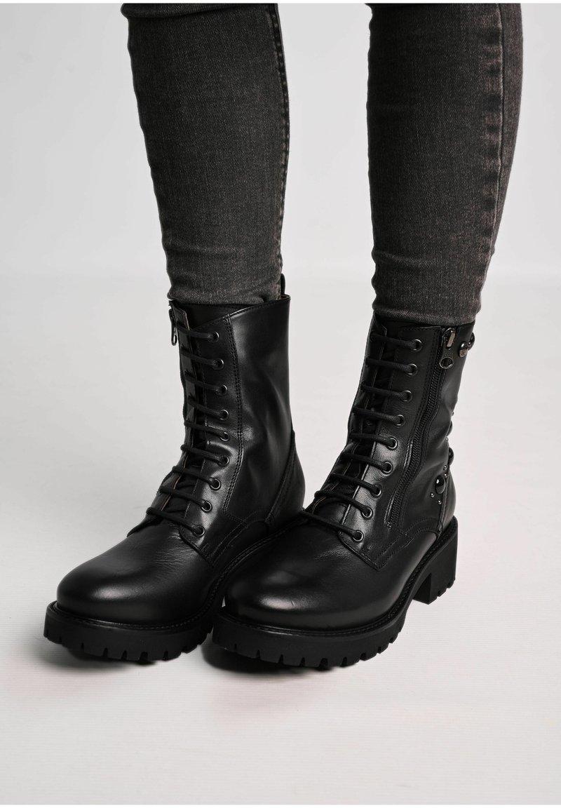 NeroGiardini - Lace-up ankle boots - nero