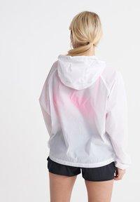 Superdry - STREETSPORT BATWING - Summer jacket - optic - 2