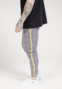 SIKSILK - FITTED SMART TAPE JOGGER PANT - Trousers - grey/yellow - 4