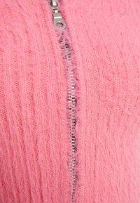 The Ragged Priest - PINKZIP EYELASH TOP - T-shirts med print - pink - 2