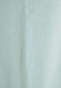 adidas Originals - PREMIUM UNISEX - Pantalon de survêtement - hazy green - 6