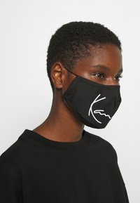 Karl Kani - SIGNATURE FACE MASK - Community mask - black - 1