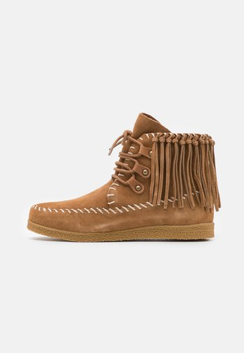 LOW BOOT WITH LACES - Lace-up ankle boots - tan