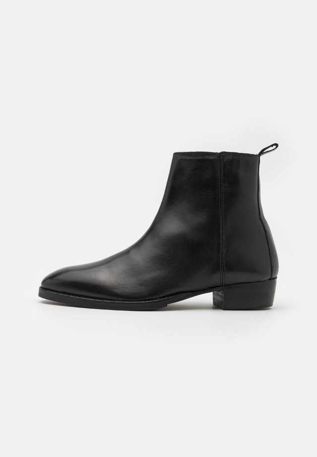 CHOCO - Classic ankle boots - black